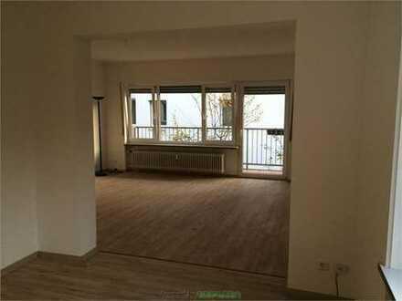 4- Zimmer Wohnung mit Balkon und anteiligen Garten