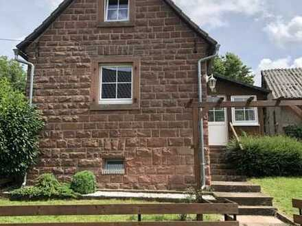 Einfamilienhaus mit drei Zimmern, EBK und Garten in Umpfenbach