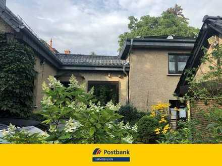 Einfamilienhaus in Teltow mit großem Grundstück!