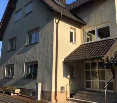 Schöne ruhige, großzügige zwei Zimmer Wohnung in Würzburg (Kreis), Bütthard