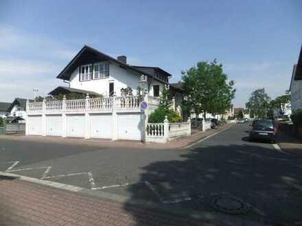 Geräumige, neuwertige 3,5-Zimmer-Maisonette-Wohnung mit luxuriöser Innenausstattung in Erlensee