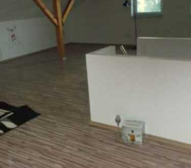 Ansprechende 4-Zimmer-Wohnung mit Balkon und Einbauküche in Geisenfeld