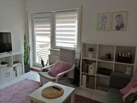 Gepflegte 1-Zi-Wohnung mit Balkon, EBK und Garagenstellplatz in Reilingen ab 01.09.2019
