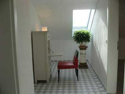 Erstbezug nach Sanierung mit Balkon: helle 4-Zimmer-Wohnung in Nittendorf-Etterzhausen