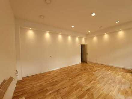 WG geeignete, zentrale und helle 5-Zimmer Wohnung in der Bonner Altstadt !!
