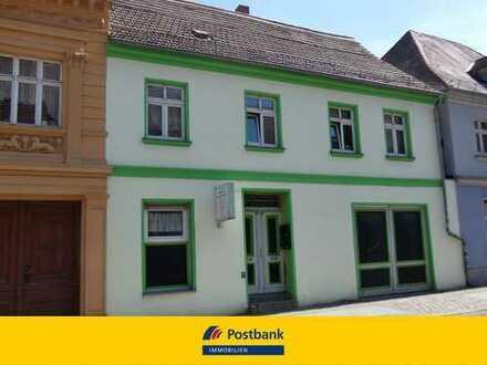Wohnhaus mit 3 Wohneinheiten und separaten Bürobereich