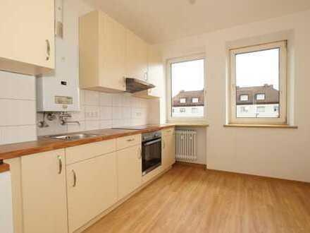 **Renovierte 2-Zimmer-Wohnung mit Wohnküche - ideal auch als WG**