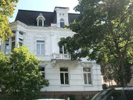Attraktive 6- bis 7-Zimmer-Maisonette-Eigentumswohnung in stilvollem Altbau in Freiburg-Wiehre