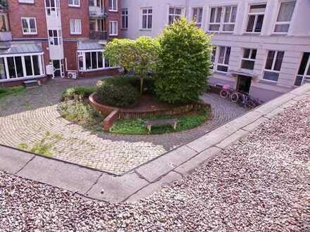 Innenstadt/ möblierte 2 Zimmer Wohnung/ Süd- Balkon/ Fahrstuhl/ab 01.11.2019