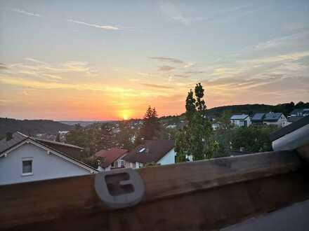 Freundliche 1,5-Zimmer-DG-Wohnung mit EBK in Eisingen