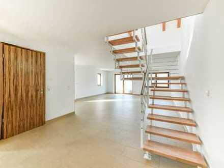 Großzügige Maisonette mit traumhafter Aussicht 2 Bäder, Balkon und große Dachterrasse sind vorhanden