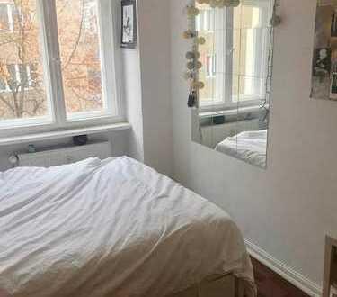 Furnished room in Kreuzberg flat (min. 4 months)