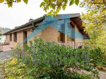 Gepflegtes und großzügiges Einfamilienhaus - Chalet ähnlich - in Zierenberg!