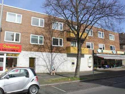 Vollständig renovierte 3,5 Erdgeschoss-Wohnung mit französischem Balkon in Feldmark zu vermieten