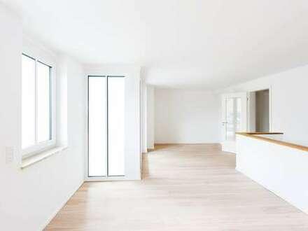 Großzügige Haus im Haus Wohnung im EG mit Terrasse