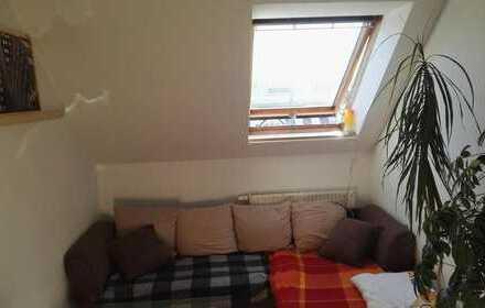 gemütliches Dachgeschoss-Zimmer in der Nähe vom wunderschönen Kassberg