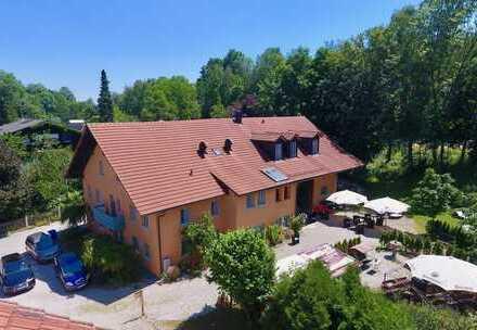 Exklusives Landhaus in ruhiger Lage von Kirchham!