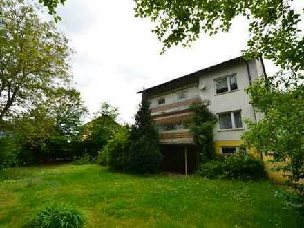 Renovierungsbed. leeres 2-3-Familienhaus Wfl.230 qm in Lappersdorf-Kareth