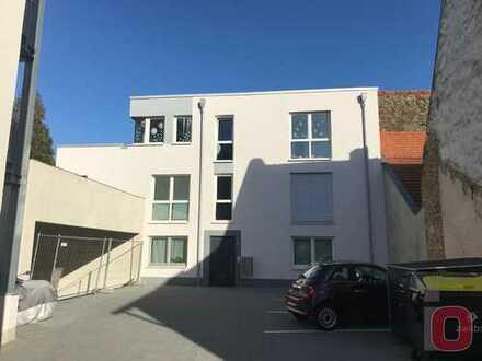 Ein komfortables Wohnerlebnis - Moderne 3-ZKB Neubau-Wohnung im attraktiven 5-Fam.-Haus