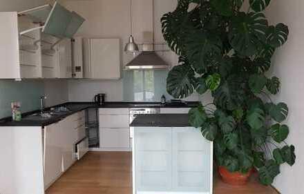 Exklusive, 5-Zimmer-Altbau-Wohnung in bester Lage in Darmstadt-Mitte