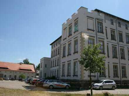 Helle, geräumige fünf Zimmer Wohnung in Leipzig, Lützschena-Stahmeln