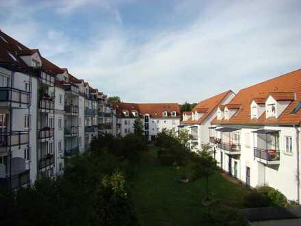 ** TOP 2-Raum Wohnung im 2.OG u.a. mit Balkon und TG-Stellplatz in Dohna **