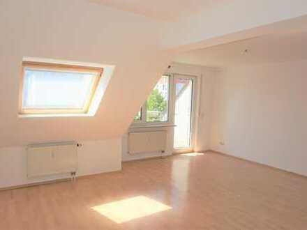 Exklusive 4-Zimmer-Maisonette-DG-Wohnung mit Terrasse und Balkon in schöner Lage Nürnberg! Top!!