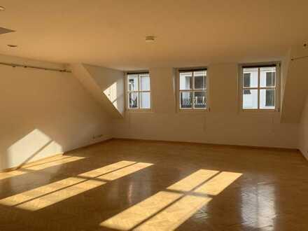 Maisonette-Wohnung in schönster Altstadt-Lage !