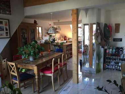 Gepflegte 1-Zimmer-Loft-Galerie-Wohnung mit Balkon und Einbauküche in Offenbach am Main