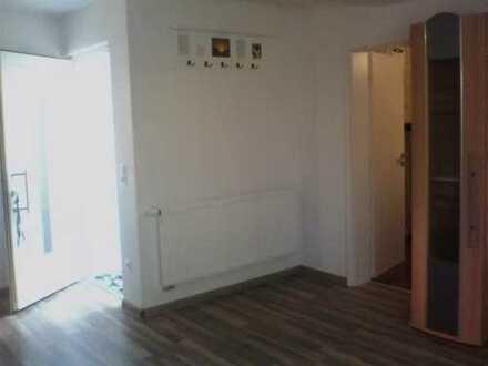 Neuwertige 1-Zimmer-Wohnung mit EBK in Oberpframmern