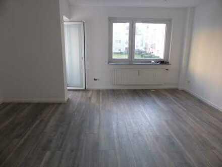 Frisch sanierte 2-Zimmerwohnung in Köln nähe FH und Köln-Arcaden