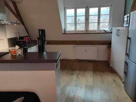 Modernisierte 2,5-Zimmer-DG-Wohnung mit Balkon in Staufen