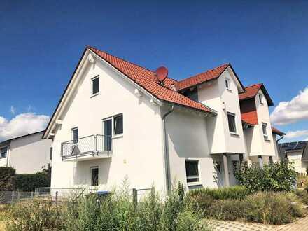 Großzügige Doppelhaushälfte mit Einbauküche in bester Lage von Limburgerhof