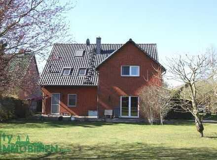 Neuwertiges Wohnhaus mit großzügiger Wohnfläche und guter Ausstattung