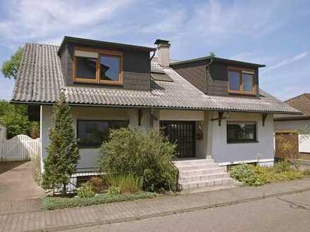 Schönes großzügiges Haus mit idyllischen Garten in Graben-Neudorf, Kreis Karlsruhe
