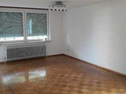 Großzügige 4,5 Zimmer-Wohnung mit gr. Balkon und EBK in RT (Orschel-Hagen), befristet auf 5 Jahre