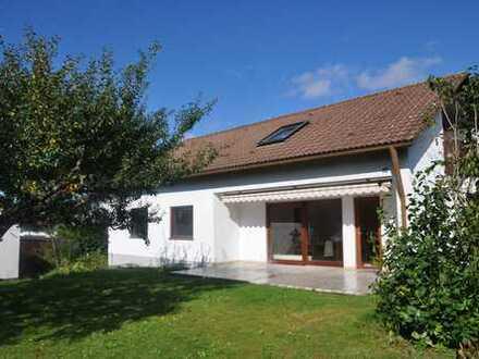 Schönes EF-Haus mit sechs Zimmern in Ulm- Jungingen