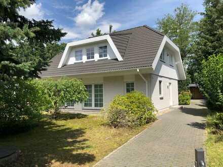 Idyllisches Einfamilienhaus in unmittelbarer Nähe zum Fahrländer See, in einer ruhigen Sackgasse