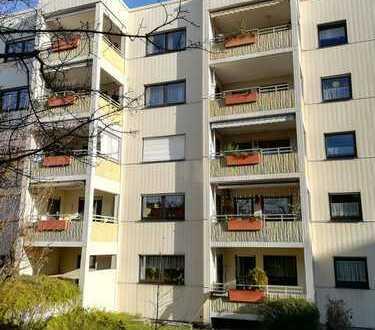 Über den Dächern von Waiblingen- sofort frei - Einbauküche- Aufzug - TG - Loggia - gute Ausstattung
