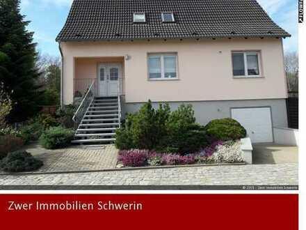 In 1 Stunde in Berlin oder Hamburg: Hochwertiges Wohnhaus mit Einlieger- und Ferienwohnung in Breese