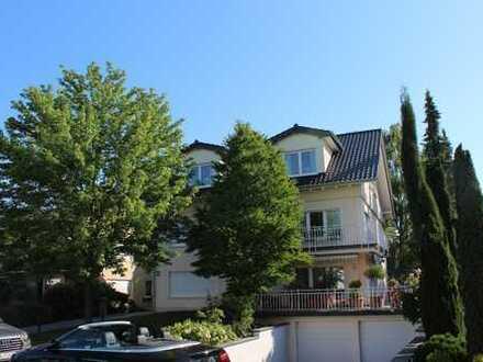 Schöner Wohnen - Dachterrassenwohnung im Dreifamilienhaus