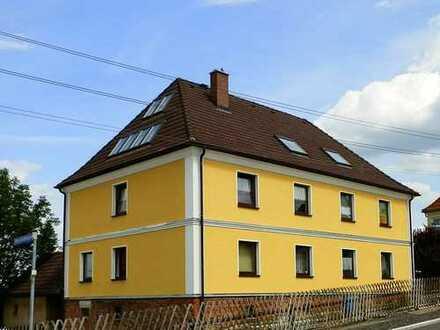 Erstbezug nach Sanierung! Großzügige 2-Raum-Wohnung zzgl. Loft in ruhiger Lage - in Oberhohndorf