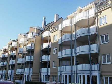 Für Kapitalanleger oder Selbstnutzer - helle freundliche 3-Zimmer Wohnung mit Balkon