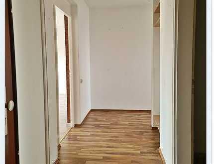 3 Zi. Etagenwohnung mit Balkon und PKW Außenstellplatz in ruhiger Anliegerstr. frei ab sofort