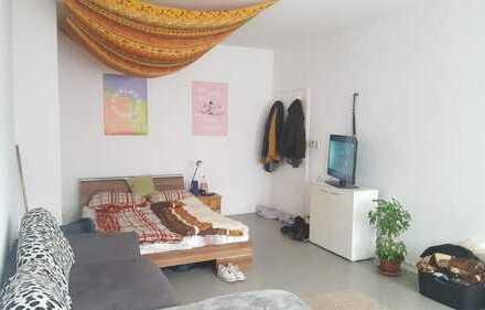 !!! Charmante 3-Zimmer-Wohnung im Zentrum !!! WGs Willkommen !!!
