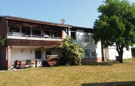 Modernisiertes Wohnhaus mit großem Südbalkon und Südterrasse ...