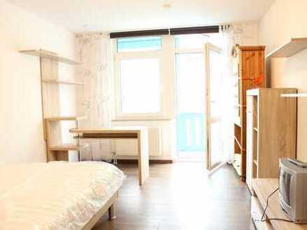 SOFORT FREI! 1-Zi-Appartement mit Balkon, Stellplatz und Möblierung!