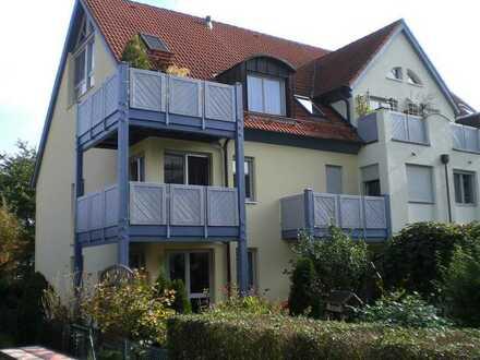 Traumhaft sonnige Dachgeschosswohnung in ruhiger und grüner Lage