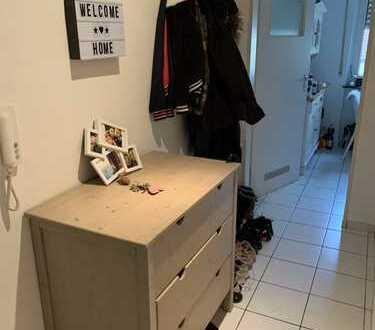Lichtdurchflutete, möblierte 1ZKB Wohnung zur Untermiete in zentraler Lage