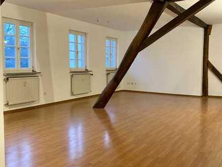 Renovierte Dachgeschosswohnung in Kirchheimbolanden